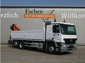 Flakbil Mercedes-Benz 2532 L Pritsche / Kran