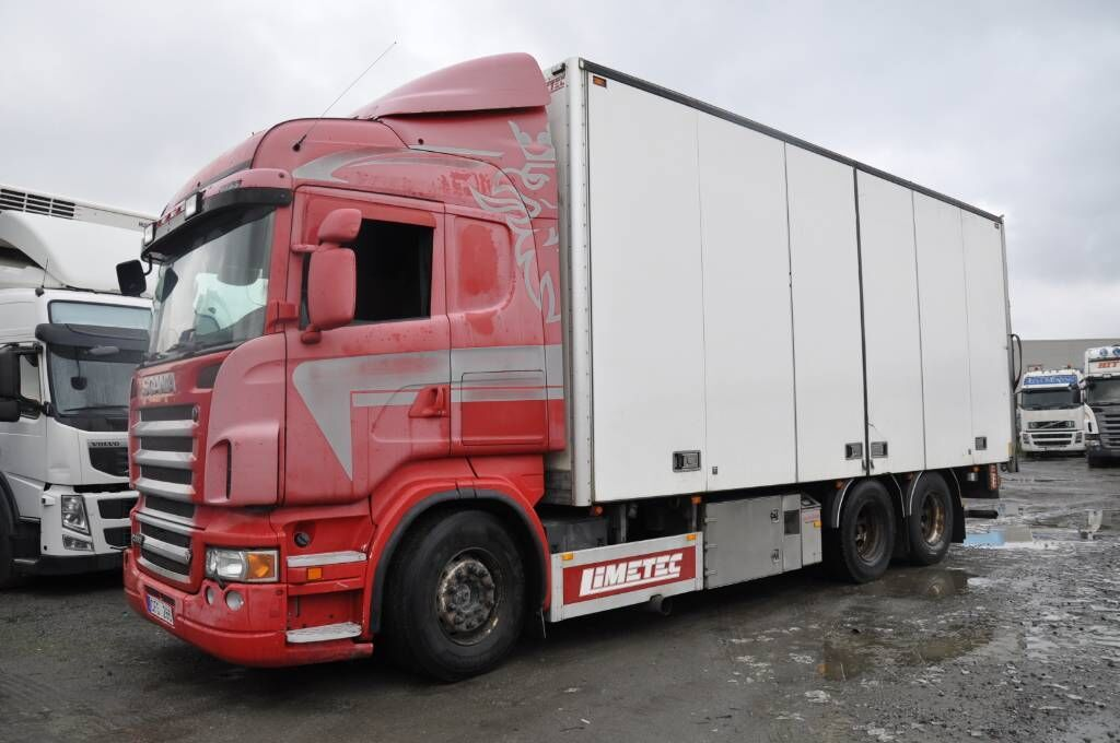 lastbil med skåp SCANIA R560