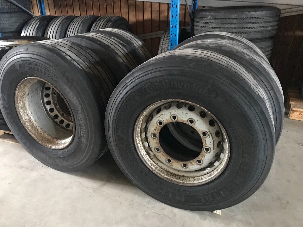 hjul/ däck Continental Regional trafic